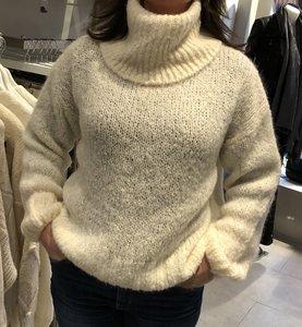 Wollen trui met grote col
